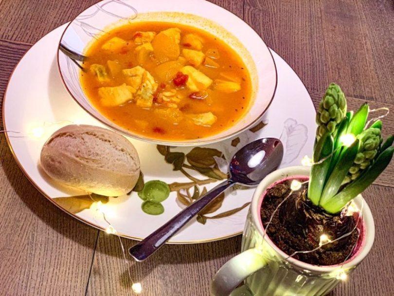 zupa curry z owocami to specjalność z Wysp Owczych